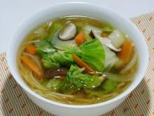 鶏塩や店長の日本一の比内地鶏ブログ-比内地鶏塩スープうどん、たっぷり野菜で