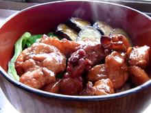 お湯に入れて温めるだけで美味しい比内地鶏の焼き鳥丼